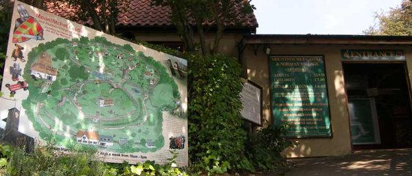 Mountfitchet Castle entrance and map