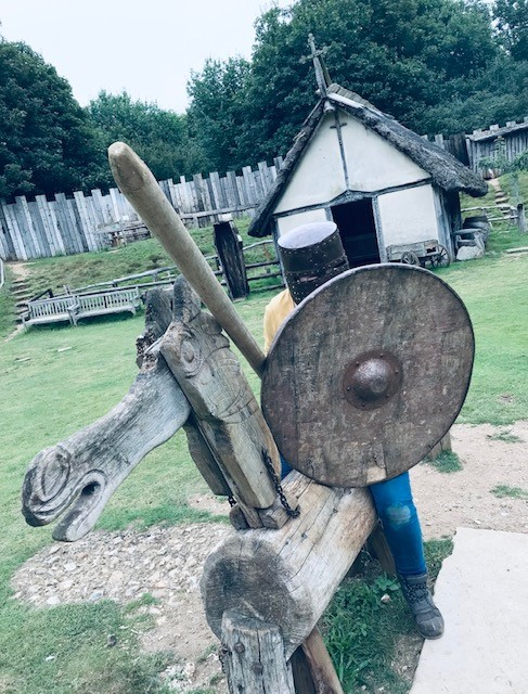 jousting at Mountfitchet Castle